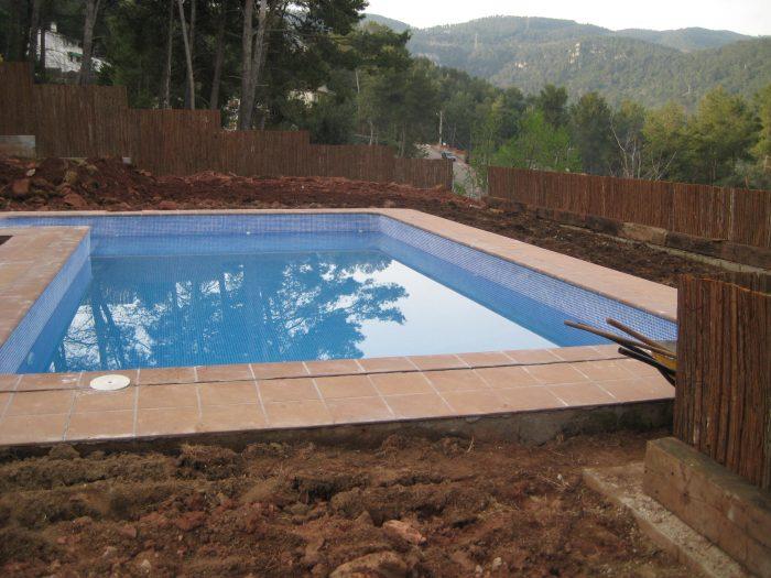 diseño de jardin con piscina