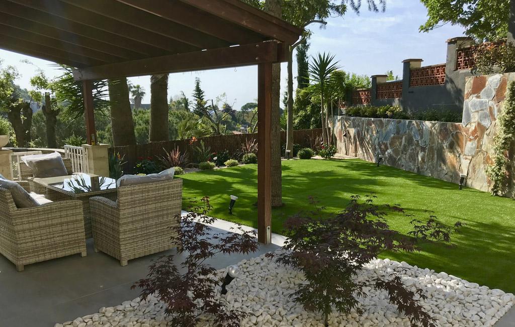 mobiliario de jardines bonitos
