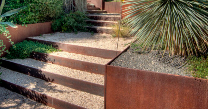 escaleras y bancales diseño jardin acero corten