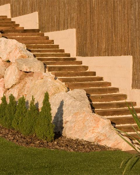 escaleras traviesas de madera